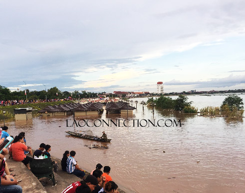 New night market in Vientiane has flooded