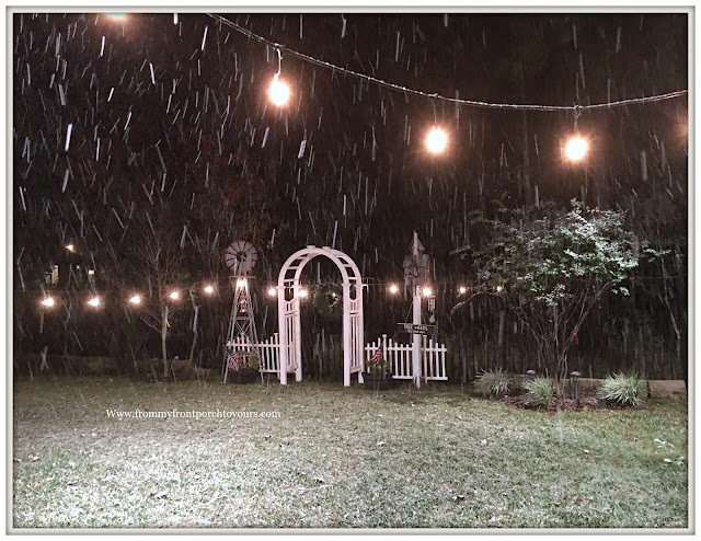 Texas Snow 20017-Christmas-Snow Falling-Arbor-Farmhouse Christmas-From My Front Porch To Yours