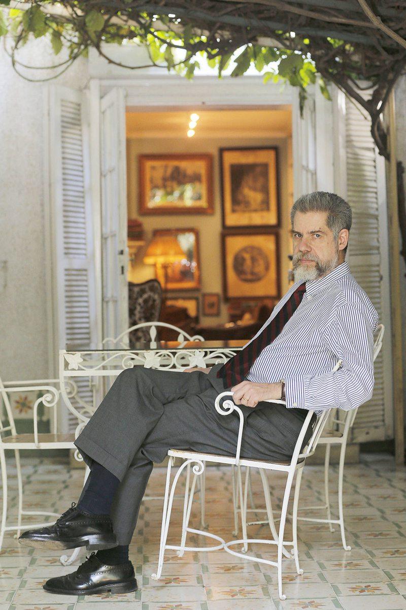 Alfredo Jocelyn-Holt acusa pobreza de pensamientos en el Congreso