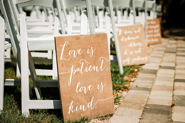 bible verse signs at ceremony