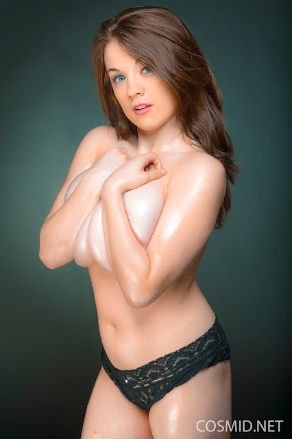 Emily Born natural tits
