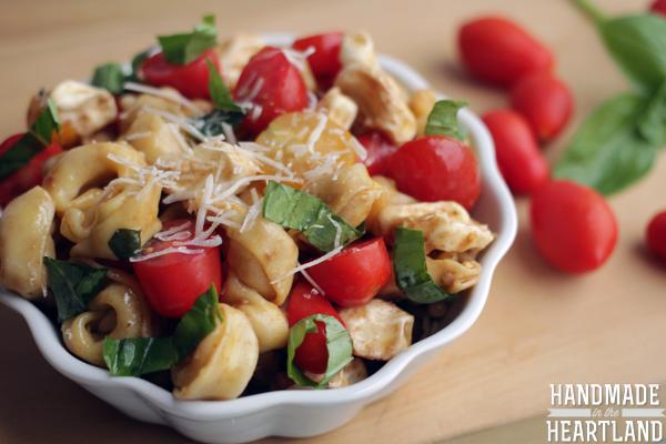 caprese tortellini pasta salad