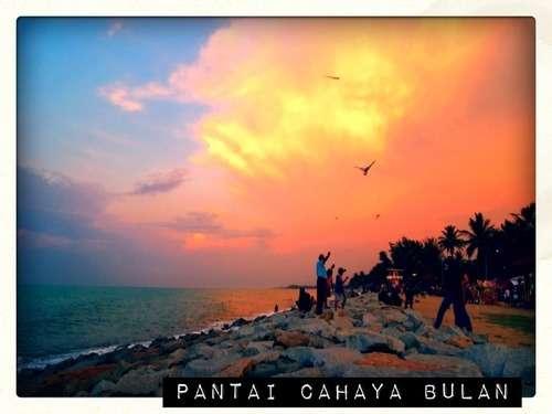 Keindahan Pantai Cahaya Bulan Di Kelantan Adajew Dot Net