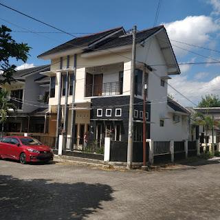 Jual Rumah Minimalis 2 Lantai Hook di Utara Jogjabay & Stadion Maguwoharjo