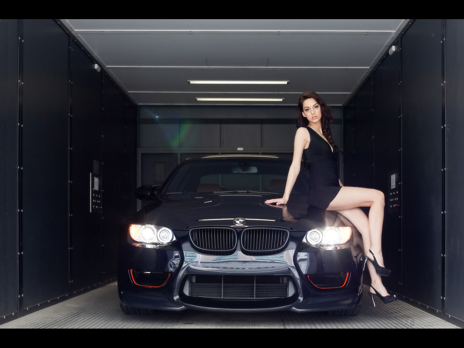 Bmw Girl Wallpaper By Jokensy: Wallpapers De Mujeres Y Coches:Hot