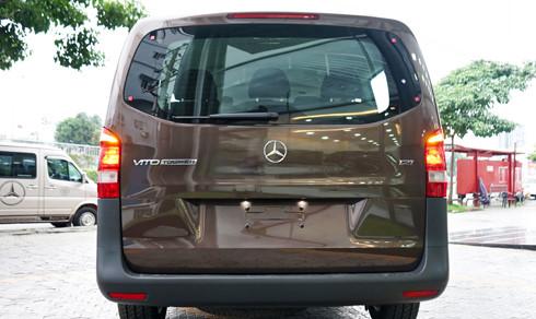 Khoang hành lý Mercedes Vito Tourer 121 thiết kế rộng rãi và tiện lợi