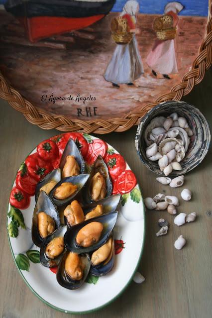 Mejillones en salsa picante  El Ágora de Ángeles