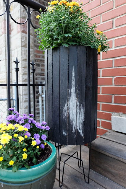 hack Ikea plant stand metal wood barrel planter outdoor stain
