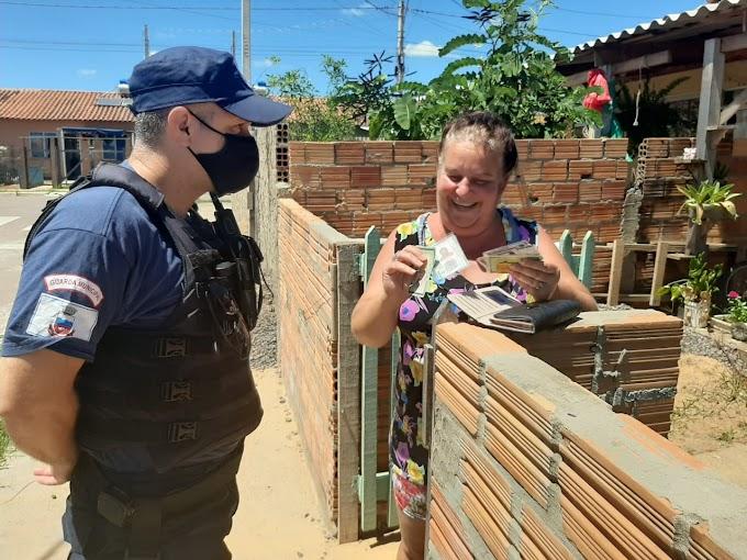Gravataí | Guardas Municipais devolvem carteira para moradora do Breno Garcia