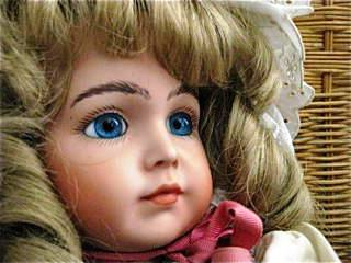Misteri Kisah seram The Glass doll boneka kaca kematian