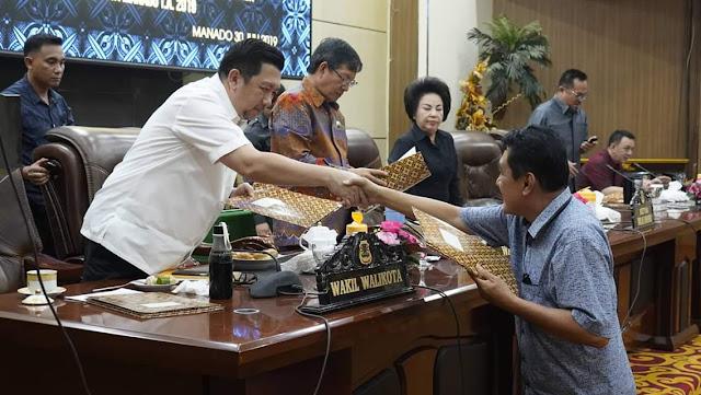 Walikota Manado Hadiri Paripurna tingkat II pertanggungjawaban pelaksanaan APBD Kota Manado TA 2018 dan KUA PPAS TA 2019