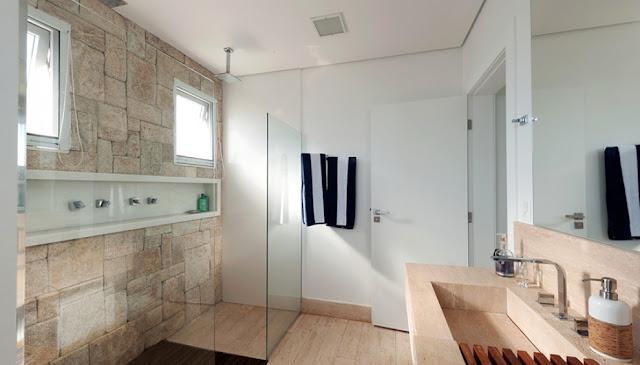 beach- house- bathroom-arch
