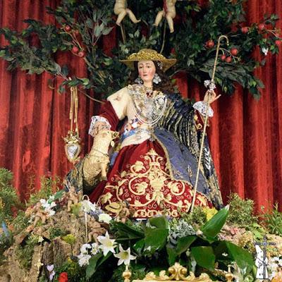 El Ayuntamiento de Sevilla concede la Medalla de la Ciudad a la Hermandad de la Divina Pastora y Santa Marina
