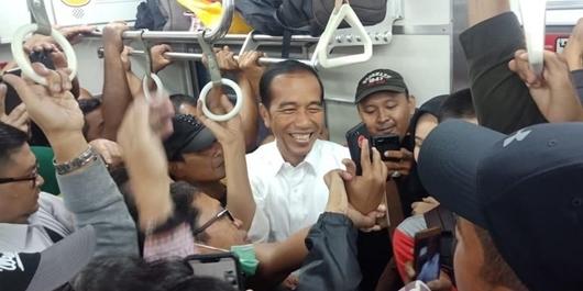 TKN Pertanyakan Rocky Gerung Soal 'KRL Sudah Disterilisasi untuk Jokowi'