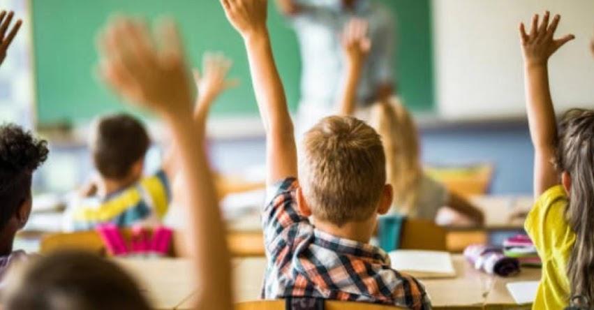 Francia prohíbe el Lenguaje Inclusivo en la educación nacional al considerarlo un obstáculo a la comprensión de la escritura