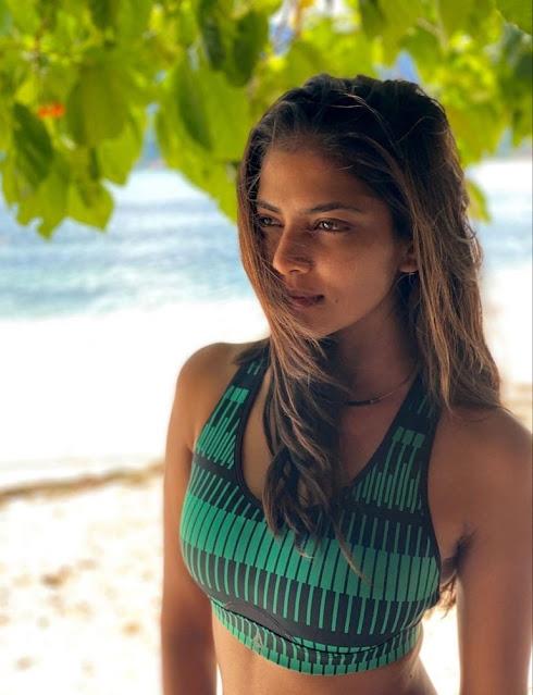Malavika Mohan Photos