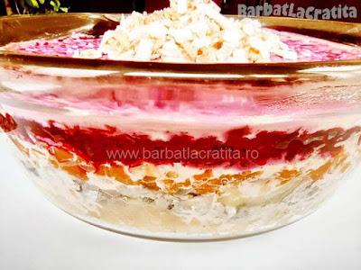 Salata ruseasca cu peste marinat suba in vas (imaginea de la sfarsitul retetei)