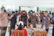 9 Pimpinan Interdenominasi Gereja Beraliran Kharismatik Doakan WL Bersama Isteri