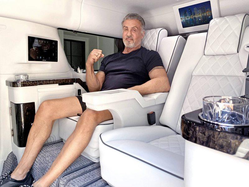 Sylvester Stallone vende su limusina