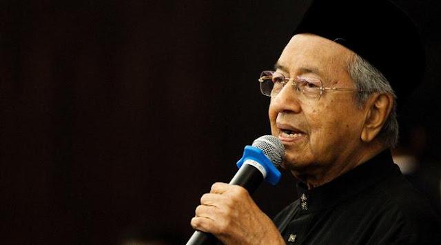 Mahathir Mohamad Janji Akan Lepaskan Jabatanya