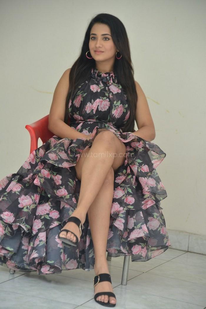 Actress Rashi Singh Pictures