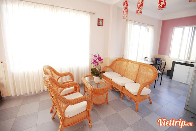 Phòng khách Hướng Dương villa - Pasteur villa đà lạt