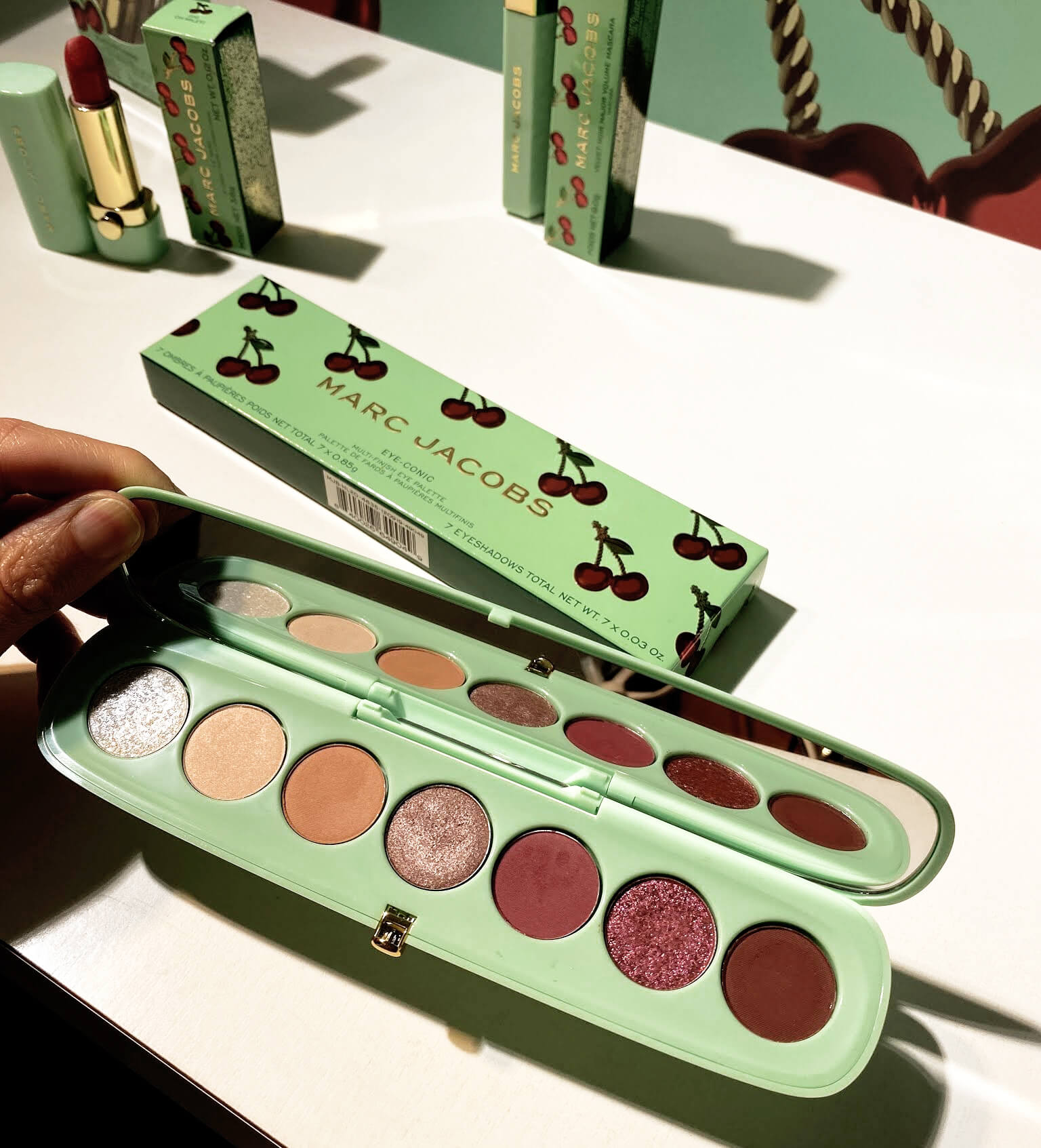 Marc Jacobs Merry Cherry Collection Noel 2020 Eye Conic Palette