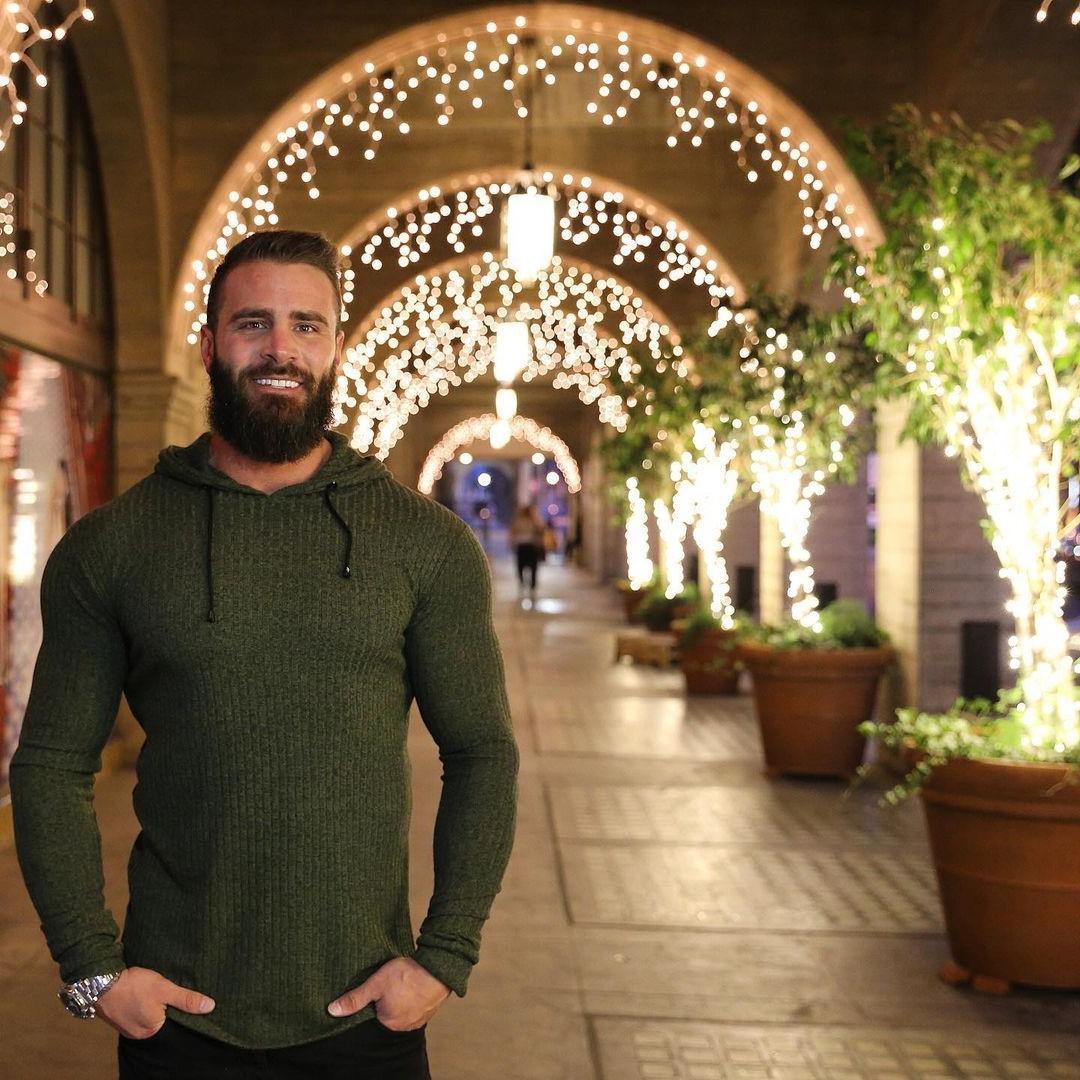beautiful-bearded-men-parker-egerton-smiling-masculine-alpha-male-muscle-daddy
