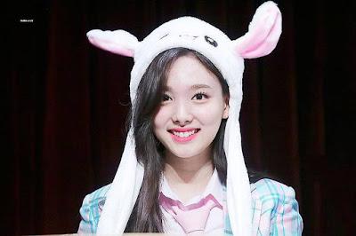 Artis Kpop Pemakai Topi Kelinci