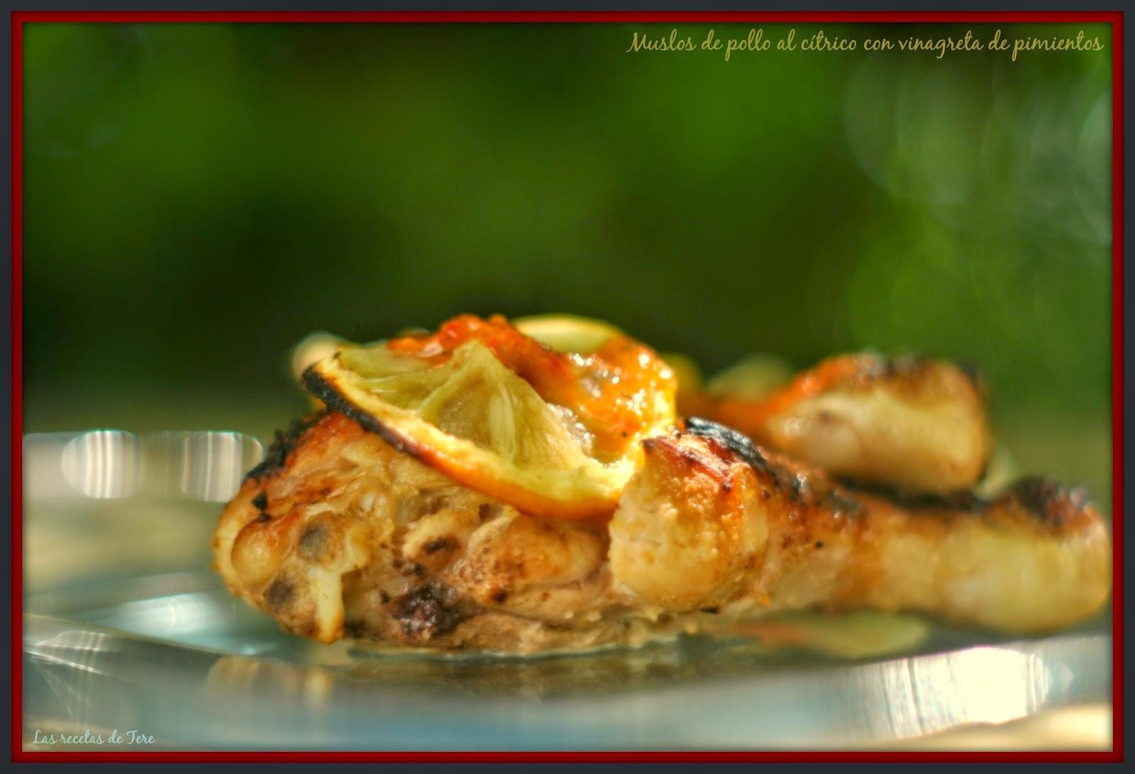 Muslos de pollo al cítrico con vinagreta de pimientos 03