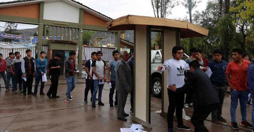 UNSCH: 47 postulantes fueron detenidos con dispositivos electrónicos en examen de admisión a Universidad Nacional de San Cristóbal de Huamanga - www.unsch.edu.pe