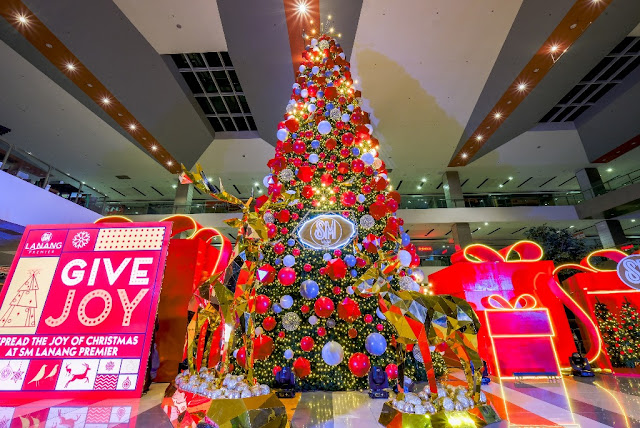 SM Lanang Premier's 57-foot Christmas tree