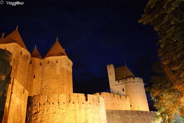 Cinta muraria sotto le luci della sera