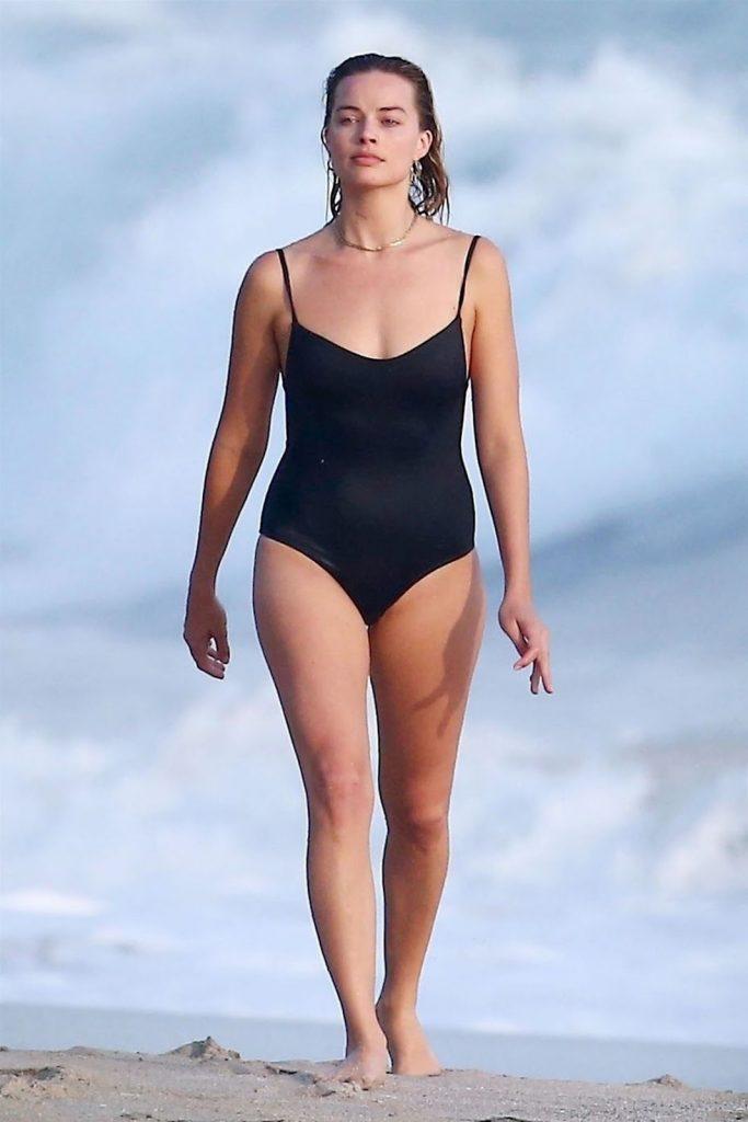 Margot Robbie Hot Photo Gallery