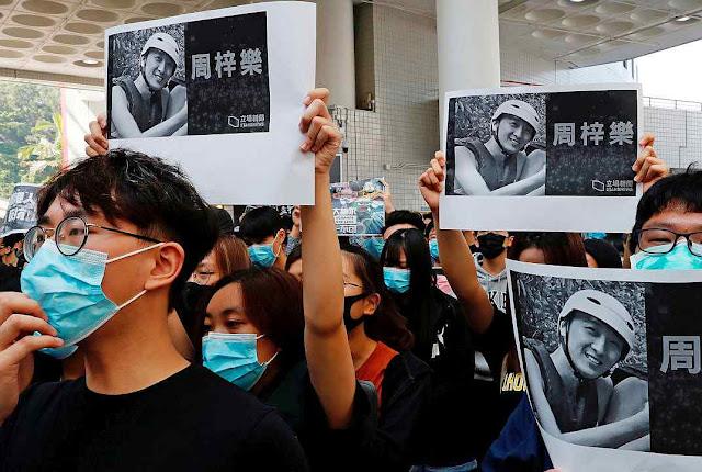 Estudantes rememoram colega assassinado friamente pela repressão teleguiada por Pequim
