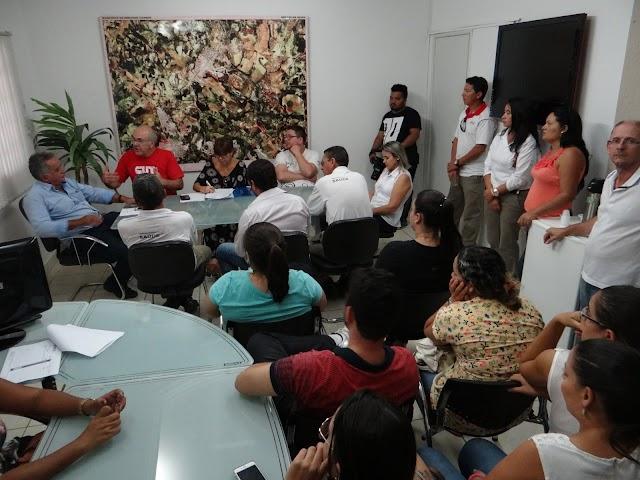 Prefeito de Senador Canedo se Compromete em negociar implantação do plano de carreiras