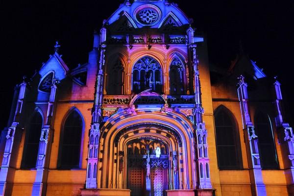 bourg-en-bresse couleurs amour monastère royal brou spectacle illuminations