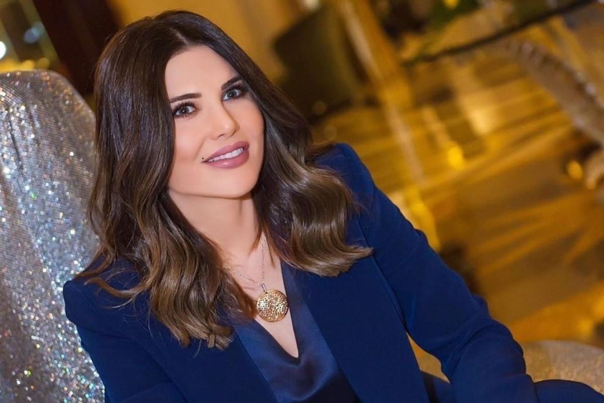wajah cantik dan manis Mona Abou Hamze Presenter Seksi dari Lebanon