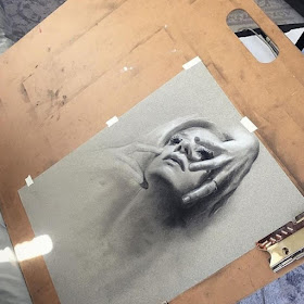 11-Kate-Zambrano-Portrait-Drawings-www-designstack-co