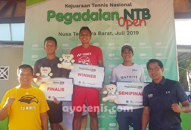 Kalahkan Andalan Tuan Rumah, Rifqi Fitriadi Sabet Gelar Juara Tennis Pegadaian Open 2019