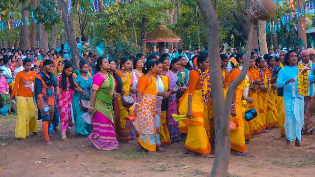 Santhal tribe dance
