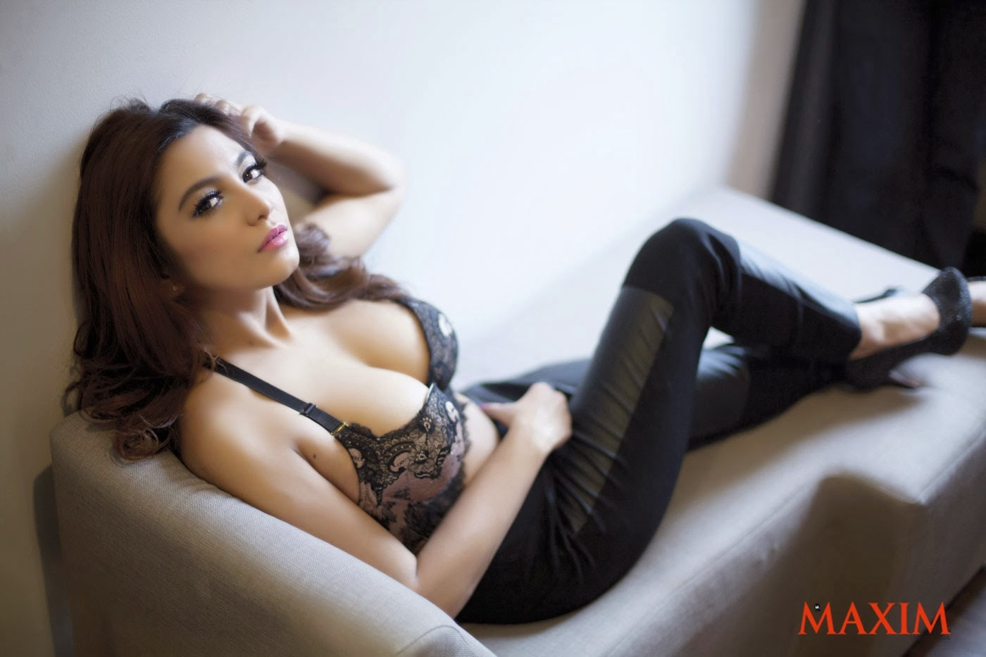 Hot Pictures Sisi Salsabila in Lingerie Sexy on MAXIM INDONESIA