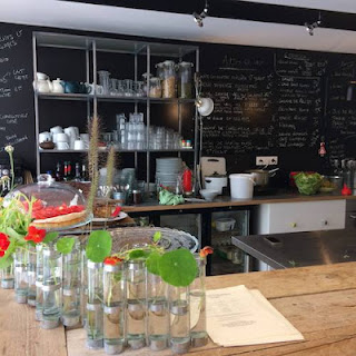 Restaurant-l-esprit-atelier-Confinement-Livraison-à-domicile-Paris-a-l-ouest