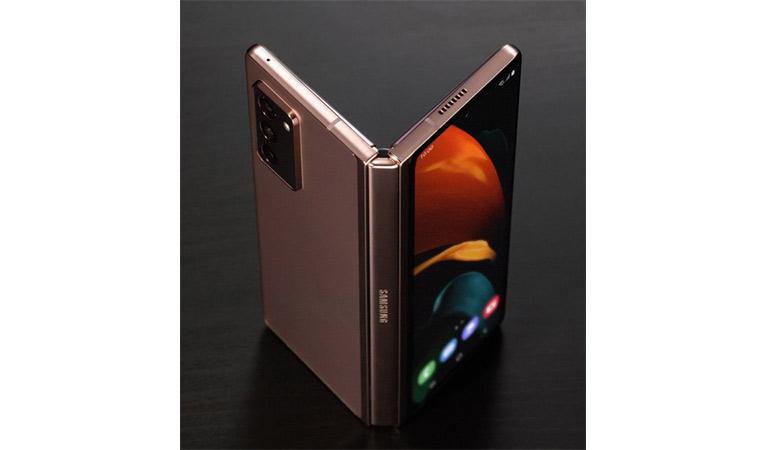 هاتف Galaxy Z Fold 2