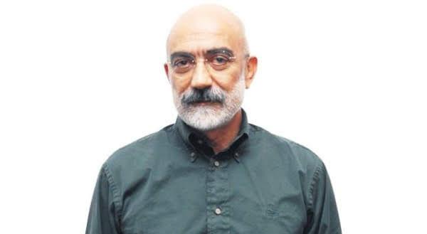 Novelista turco encarcelado trabaja en libro sobre el genocidio armenio