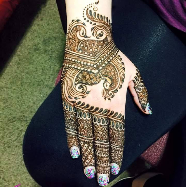 Glittered Arabic Mehndi Design