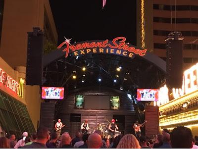 Roadtrip USA - on the road again - Las Vegas Fremont street