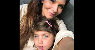 Συνελήφθη με την κόρη της στο Ντουμπάι επειδή ήπιε ένα ποτήρι κρασί μέσα στο αεροπλάνο