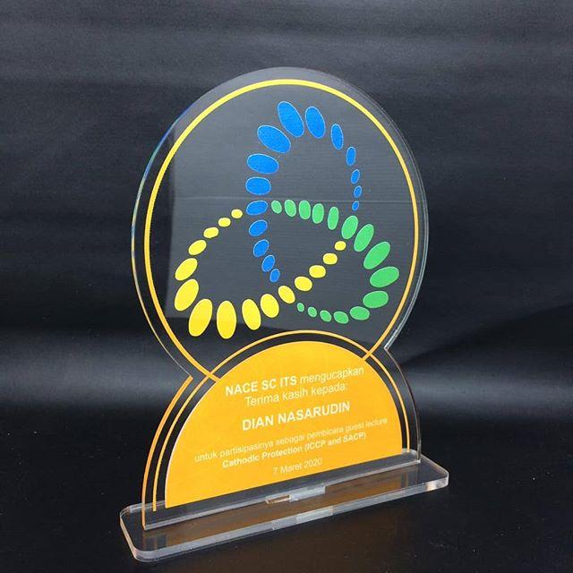 Harga Trophy Termurah 0811 331 3356
