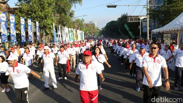 Ribuan Orang di Solo Turun ke Jalan Rayakan Pertemuan Jokowi-Prabowo